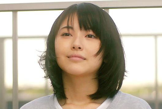 浜辺美波さん(16歳)が、主演を演じる映画『君の膵臓をたべたい』が、7月28日(2017年)に公開予定。